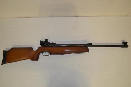 Pellet Gun. Gamo 4.5(177) cal Pellet Rifle