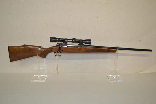 Gun. Winchester Model 670 30-06 cal Rifle