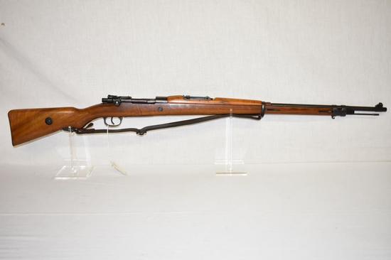 Gun. Dominican Republic Model 1961 7x 57 cal Rifle