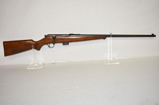 Gun. Savage Sporter 25-20 cal Rifle