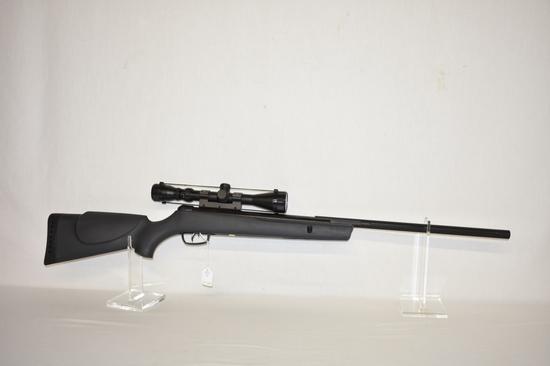 Pellet Gun. Gamo Model Big Cat 4.5/.177 Rifle