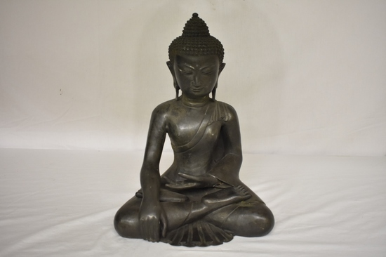 Bronze Calling the Earth to Witness Buddha Statue