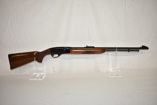 Gun. Remington model 552 Deluxe 22 cal. Rifle