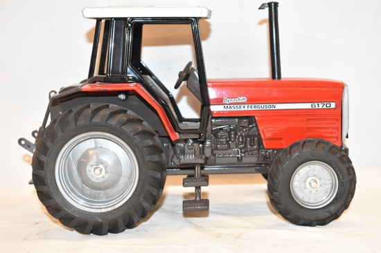 Massey Ferguson Dynashift 1/16 Scale Tractor Toy