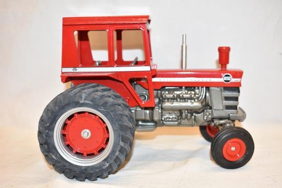 AGCO Massey Ferguson 1/16 Scale Tractor Toy