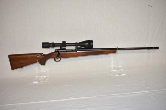 Gun. Winchester Model 70 25 06 cal Rifle