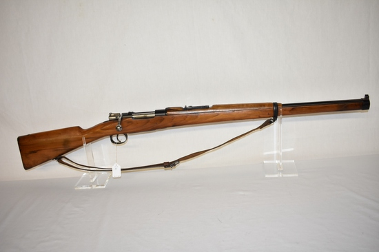 Gun. Spanish Mauser Model1924 7mm cal Rifle