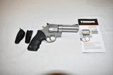 Gun. Taurus Model 608 357 mag cal Revolver