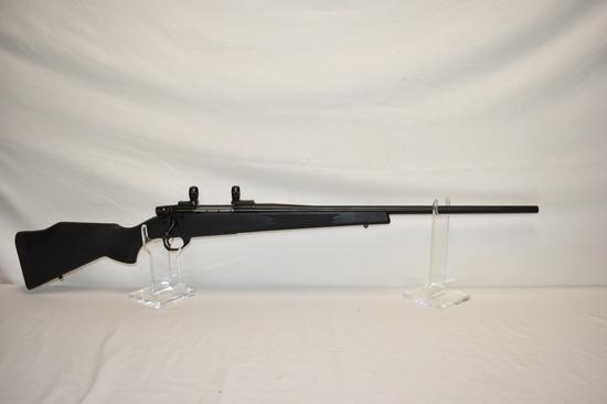Gun. Weatherby Vanguard 300 win mag cal Rifle