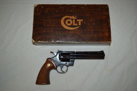 Gun. Colt Python 357 mag cal. Revolver w/ Box