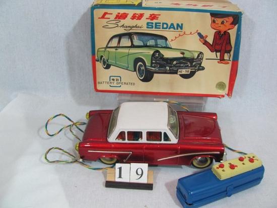1 in lot, Shanghai Sedan Boxed Tin battery operated sedan,  goes forward an
