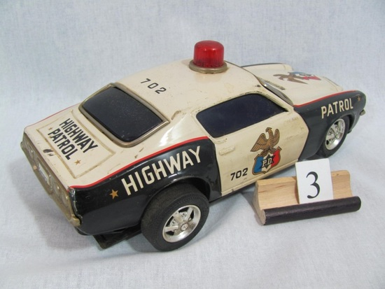 1 in lot, Highway Patrol PD 702 tin, battery operated, (battery  case plast