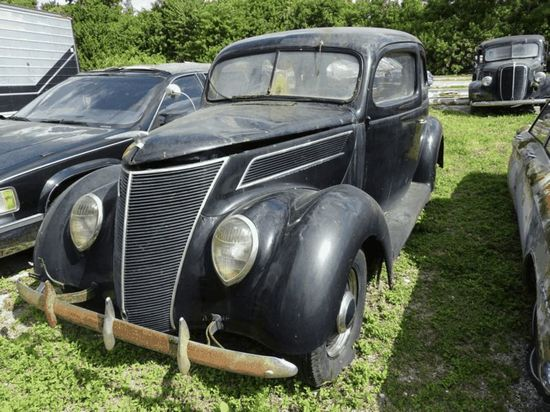 1937 Ford 2D