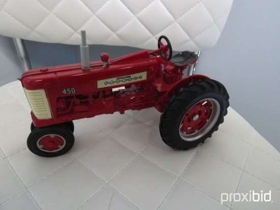 MCCORMICK FARMALL 450 TRICYCLE