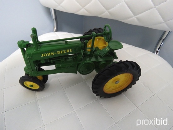 JOHN DEERE UNSTYLED MODEL A TRICYCLE
