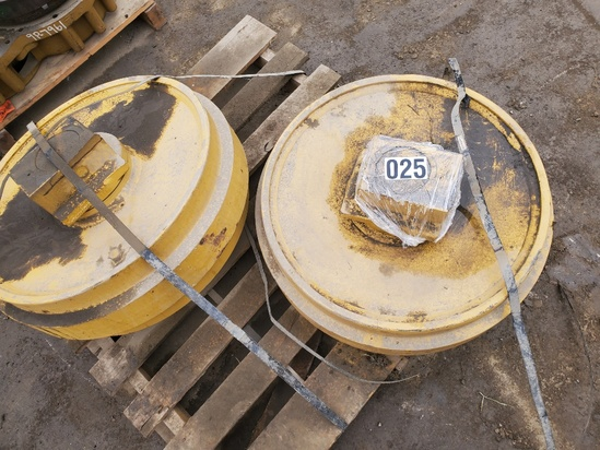 QTY 2) LIKE NEW JOHN DEERE 450C IDLERS W/ USED SPRINGS