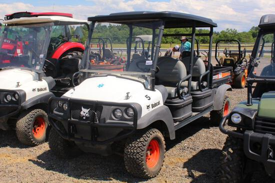 BOBCAT 2200S UTILITY VEHICLE 4X4, 4 SEATER, TOP, WINDSHEILD, ELECTRIC OVER HYDROLIC DUMP BED, 140 HR