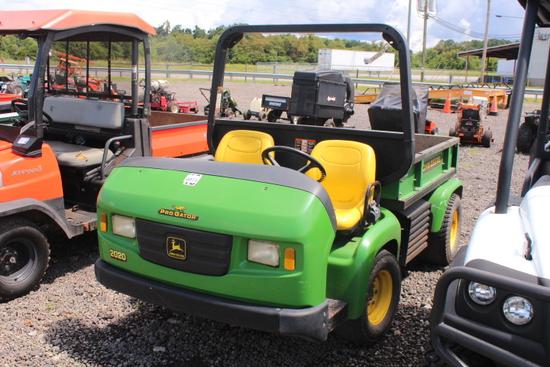 JOHN DEERE 2020 PRO GATOR GAS ENG, 2WD, HYDRAULIC DUMP BED, MANU TRANS, SHOWING 3904 HRS, S/N#  TC20