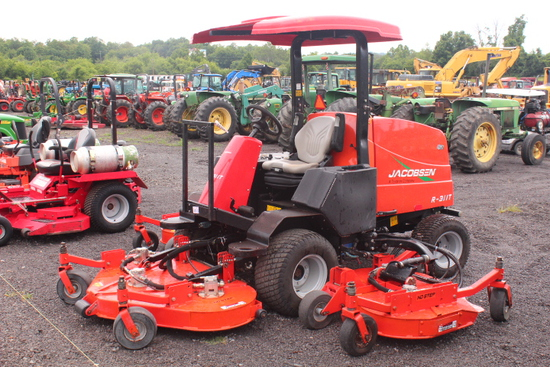 2015 JACOBSON R311T 4X4 COMMERCIAL MOWER