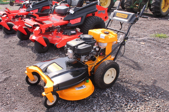 "CUB CADET CC800, 33"" CUT WALK BEHIND LAWN MOWER"