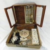 Musical Jewelry box with vintage jewelry