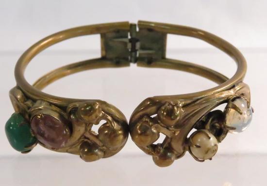 Antique art nouveau floral hinged clamp bracelet