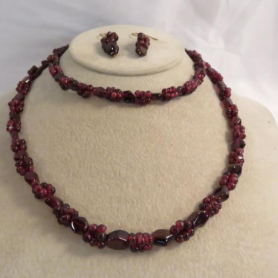 Seed Garnet necklace & pierced earrings