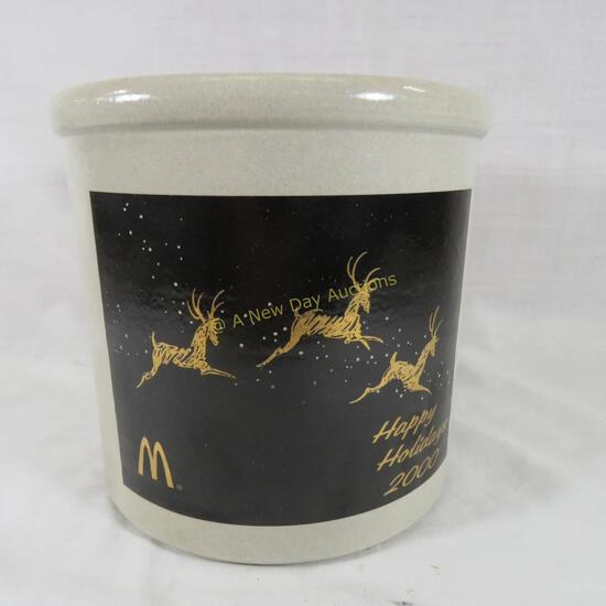 2000 McDonalds Happy Holidays Red Wing crock