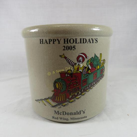 2005 McDonalds Happy Holidays Red Wing crock