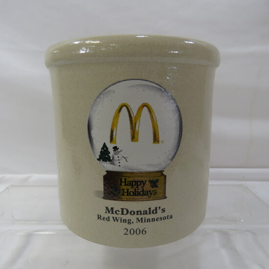 2006 McDonalds Happy Holidays Red Wing crock