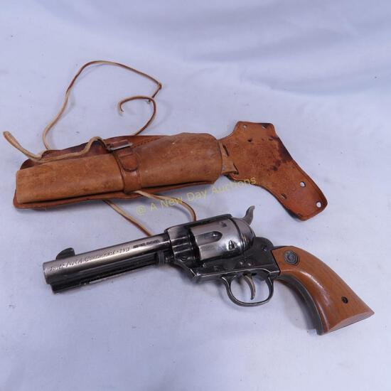 1871-1971 NRA Centennial Daisy BB Pistol w/holster