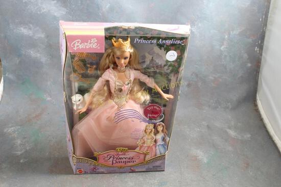 2004 The Princess and the Pauper Barbie Doll in Box