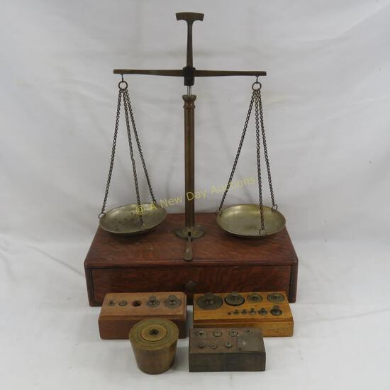 Antique Scale Balance with weight sets