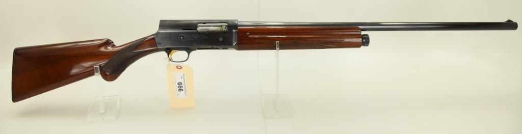 Lot #666 -BrowningAuto 5 Light 12 SA Shotgun