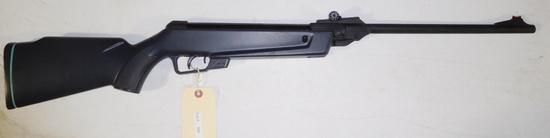 Gamo .177 Cal Pellet Rifle SN# 04-1C-153171-01