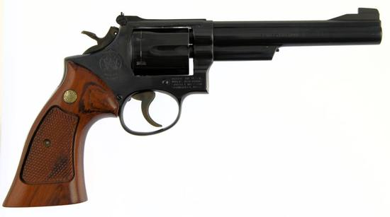 SMITH & WESSON 19-3 Double Action Revolver