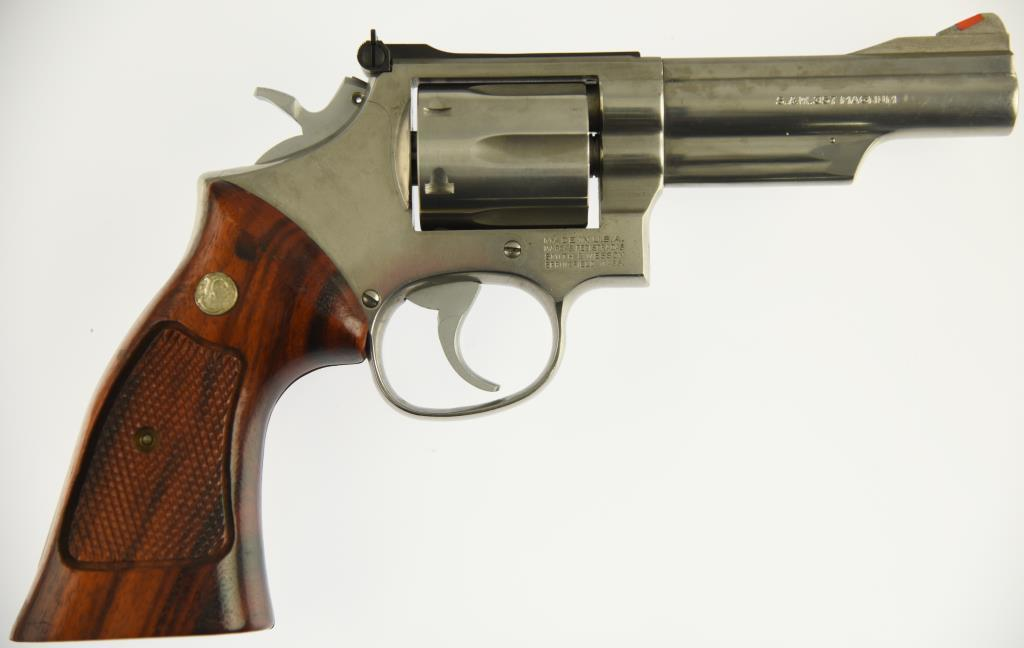 SMITH & WESSON 66-2 Combat Magnum Double Action Revolver