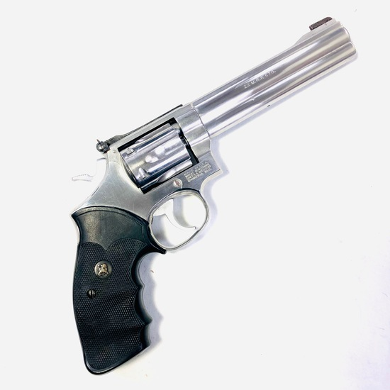 Like-new Smith & Wesson 648 double-action revolver, .22 WMR cal