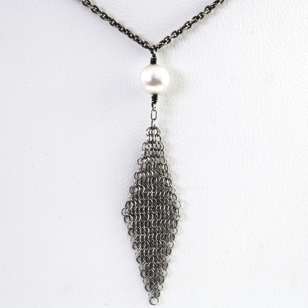 Authentic estate Tiffany & Co sterling silver retired Peretti pearl mesh necklace