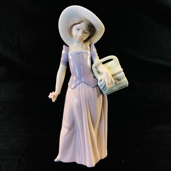 "Estate Lladro #6489 ""Tailor Made"" porcelain figurine with original box"