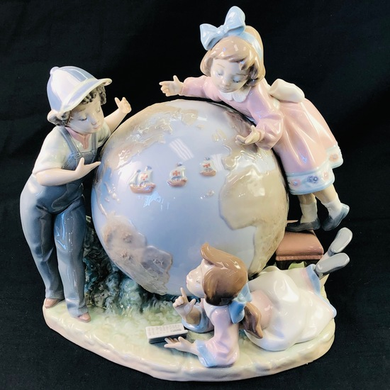 "Estate Lladro #5847 ""The Voyage of Columbus"" porcelain figurine with original box"