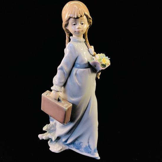 "Estate Lladro #7604 ""School Days"" porcelain figurine with original box"