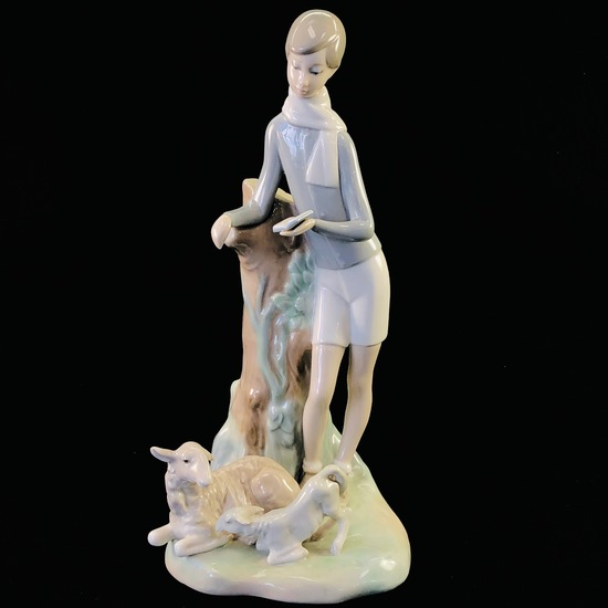 """Estate Lladro #4509 """"Boy with Lambs"""" porcelain figurine with original box"""