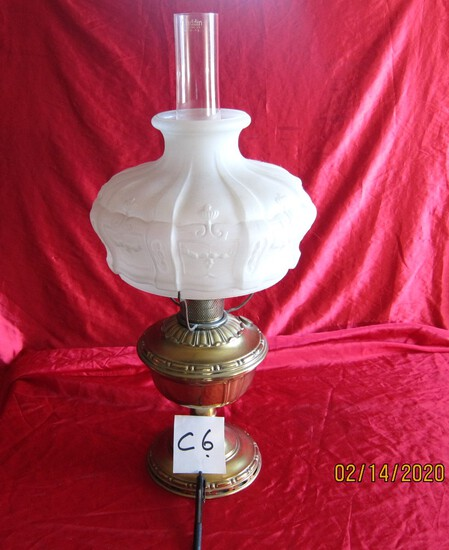 Aladdin Lamp With Globes  26 Inches Tall