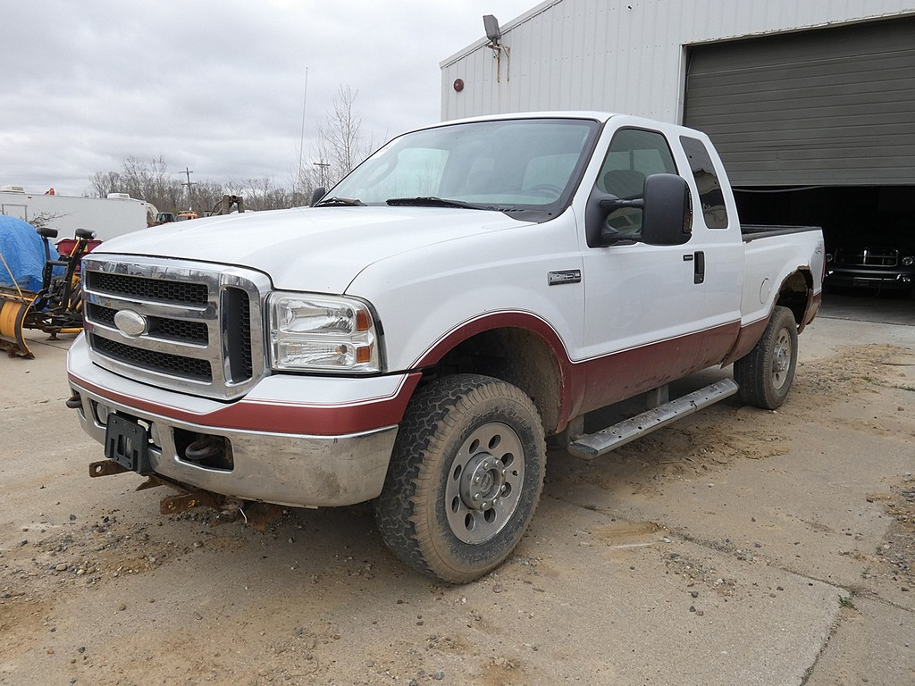 2005 Ford F250 4x4 Ext. Cab Pickup, SN:1FTSX21595EA31803, Gas, Auto, 4wd, S
