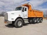 2005 Kenworth T800 Triaxle Dump Truck, SN:1NKDL00X55J100794, Cummins ISM385