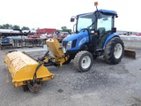 New Holland T2370 Broom Tractor, 4wd, Cab/Air, Front Broom, 3pt, PTO, Rear