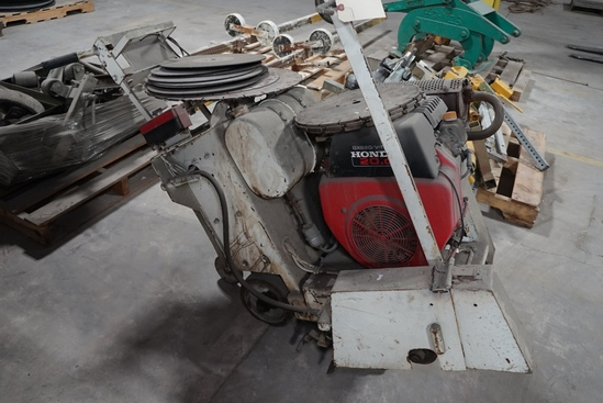 Concrete Floor Saw w/ Honda 20HP