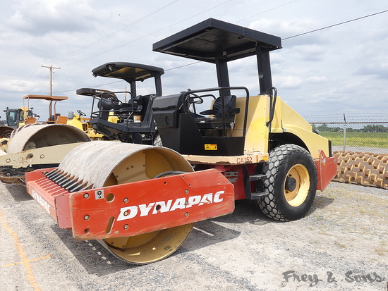 Dynapac CA152D Vibratory Compactor, SN:6422US5153, 66'' Smooth Drum w/ Padf