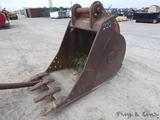CF 36'' Excavator Bucket, 3.5'' Pins